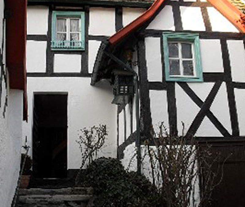 Löwenburgstraße